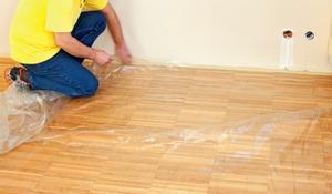 KROK I - Zabezpieczenie podłogi przed zachlapaniem