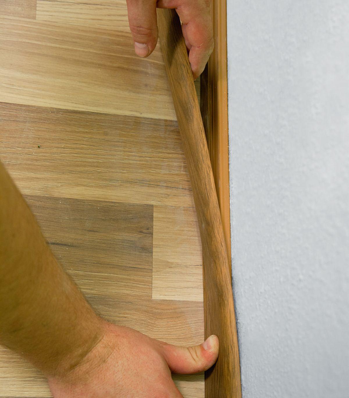 KROK V - Zakładanie listwy podłowgowej